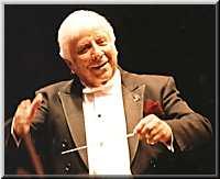 Elmer Bernstein à la tête du Royal Philharmonic Orchestra au London's Royal Albert Hall, en 2002 à l'occasion de ses 80 ans (photo Jean Delamare, © elmerbernstein.com avec l'aimable autoriàsation d'Amber Records)